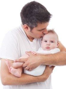 ayah gendong bayi